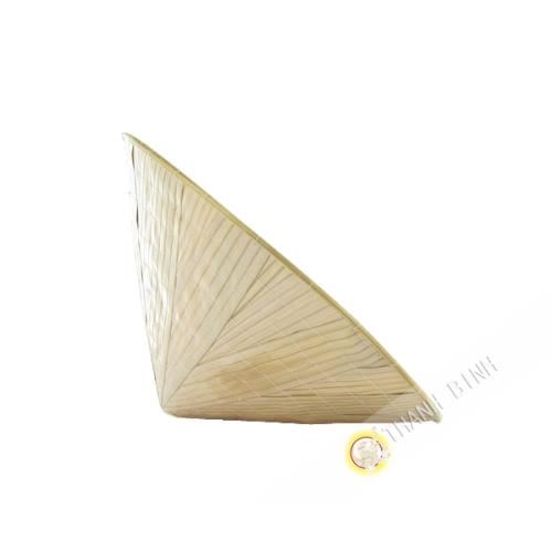 Sombrero cónico Niño de Vietnam